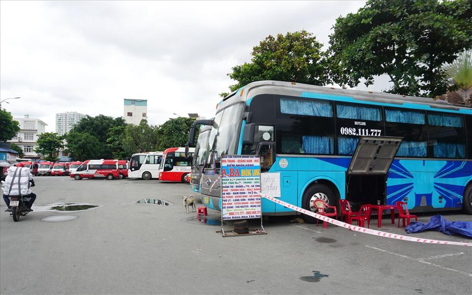 Một nhà xe chạy tuyến TPHCM đi các tỉnh Miền Trung nhận chở hàng