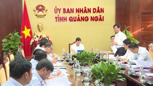 Chủ tịch UBND tỉnh Đặng Văn Minh vừa chủ trì cuộc họp giải quyết các vướng mắc trong công tác bồi thường, giải phóng mặt bằng các dự án của CTCP Thép Hòa Phát Dung Quất