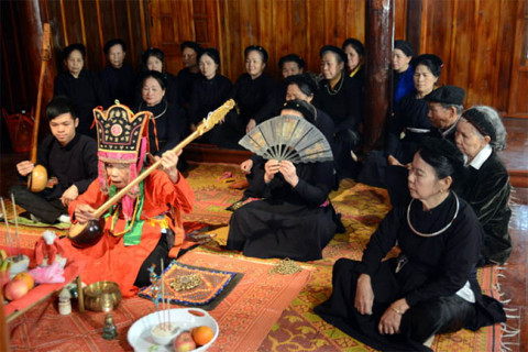 Tuyên Quang: Cần phát huy giữ gìn nét đẹp văn hóa dân tộc tày