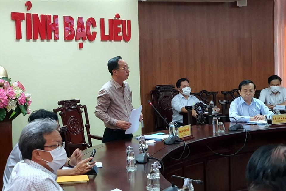 Chủ tịch UBND tỉnh Bạc Liêu nêu những khó khăn, thuận lợi tại dự án Nhà máy Nhiệt điện khí LNG Bạc Liêu. Ảnh: Nhật Hồ