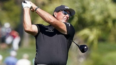 Các golfer không đồng tình với quy định giới hạn chiều dài gậy driver