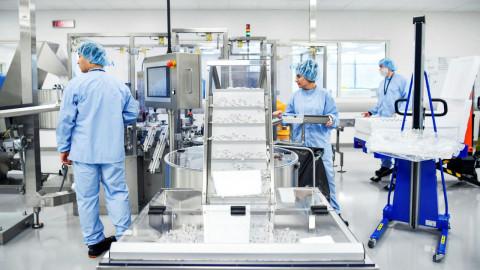 Dự kiến đầu năm 2022 có ít nhất một nhà máy sản xuất vaccine đi vào hoạt động