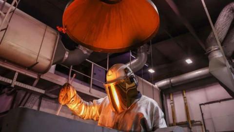 Thị trường kim loại hỗn loạn bởi khủng hoảng năng lượng tại Trung Quốc
