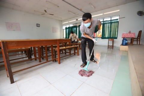 TP.HCM: Gấp rút sửa chữa, vệ sinh trường lớp để đón học sinh quay trở lại