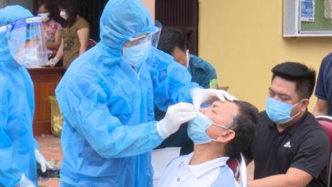 Phú Thọ: Tổ chức xét nghiệm test nhanh cho toàn dân tại thành phố Việt Trì, thị xã Phú Thọ, các huyện Lâm Thao, Phù Ninh, Tam Nông