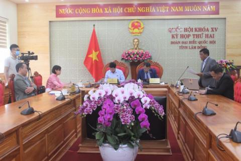Kỳ họp thứ 2, Quốc hội khóa XV : Đẩy nhanh tiến độ bao phủ vắc xin được các đại biểu tỉnh Lâm Đồng đưa ra thảo luận tại tổ