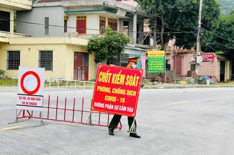 Hà Tĩnh tạm dỡ nhiều chốt kiểm soát phòng dịch trên quốc lộ