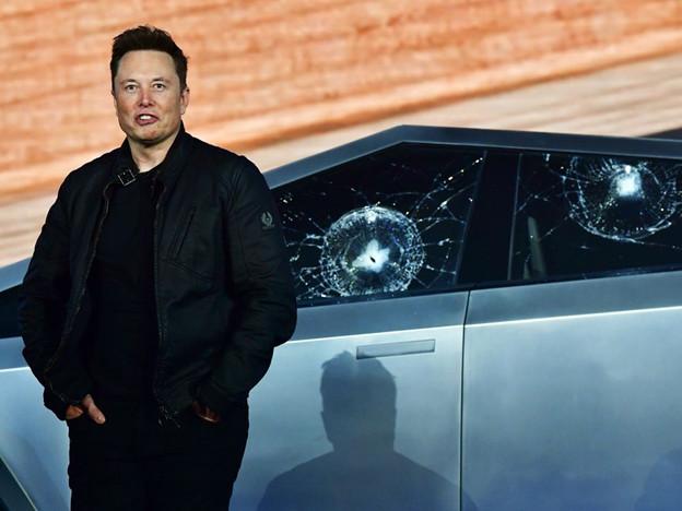 Tesla lần đầu tiên đạt mức vốn hóa thị trường 1 nghìn tỷ USD