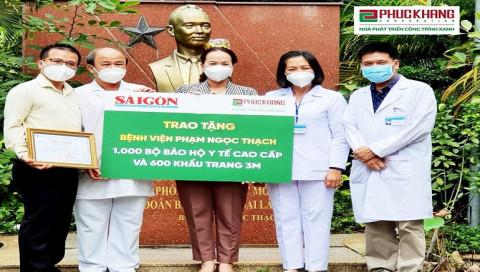 Phúc Khang tài trợ trang thiết bị y tế trị giá 400 triệu đồng cho 4 bệnh viện (BV) tuyến đầu tại TP.HCM