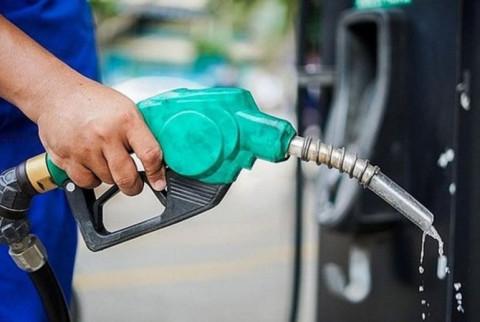 Nghiên cứu giảm thuế để giảm giá xăng, dầu trong nước