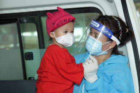 Đồng Nai: Dang vòng tay với trẻ mồ côi vì COVID-19
